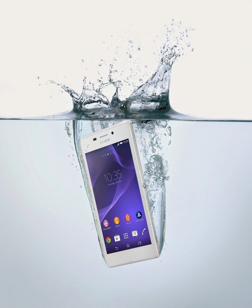 04_Xperia_M2_Aqua_ in Water