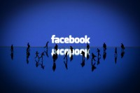 Facebook : «χαλαρώνει» την πολιτική του περί πραγματικού ονόματος