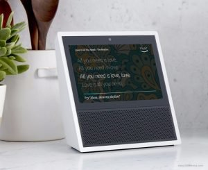 Η Amazon αποκάλυψε το Echo Show με οθόνη αφής 7″, την Alexa και δωρεάν κλήσεις