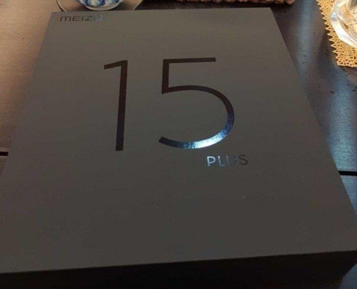 Tα πρώτα νέα smartphones της Meizu θα ονομάζονται Meizu 15/15 Plus και ο CEO μας δείχνει το κουτί του ενός μοντέλου 1