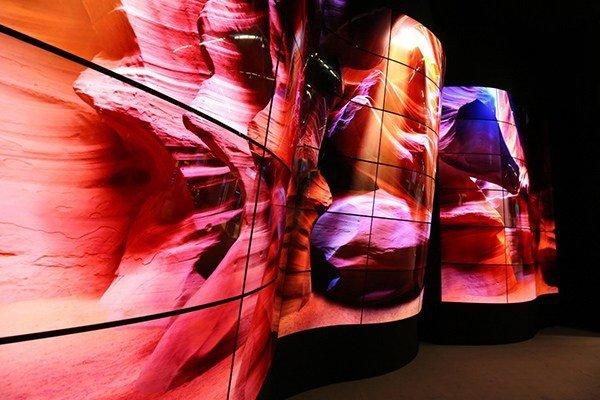 LG: Αποκάλυψε δημοσίως την πρώτη της διάφανη οθόνη OLED [ΔΤ] 1