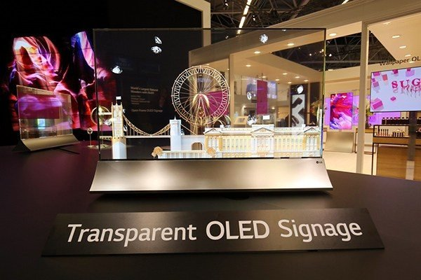 LG: Αποκάλυψε δημοσίως την πρώτη της διάφανη οθόνη OLED [ΔΤ] 2