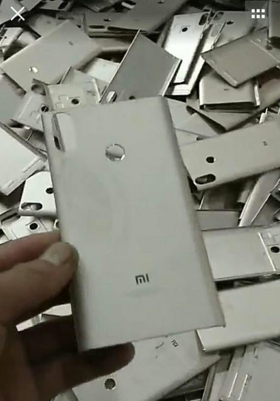 Μεταλλικό πίσω κάλυμμα θα φέρει μάλλον το νέο Xiaomi Mi A2 1