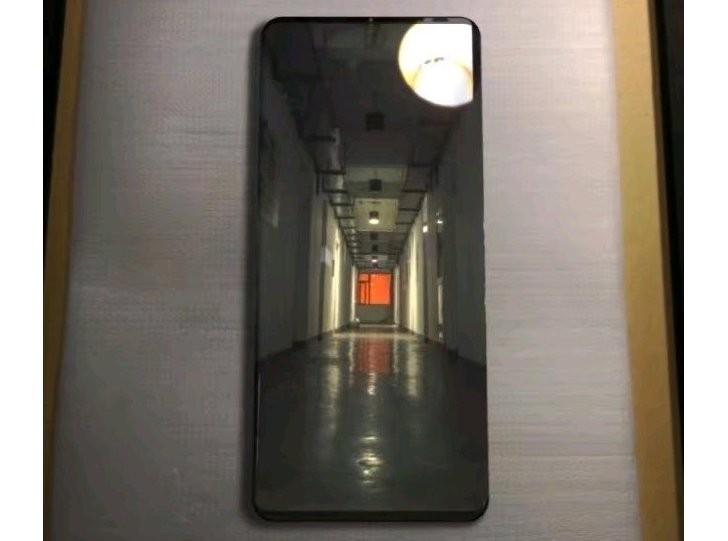 Huawei Mate 20 Pro: Ξεπρόβαλε σε νέα live εικόνα μαζί με κάποιες ανεπιβεβαίωτες πληροφορίες περί specs 1