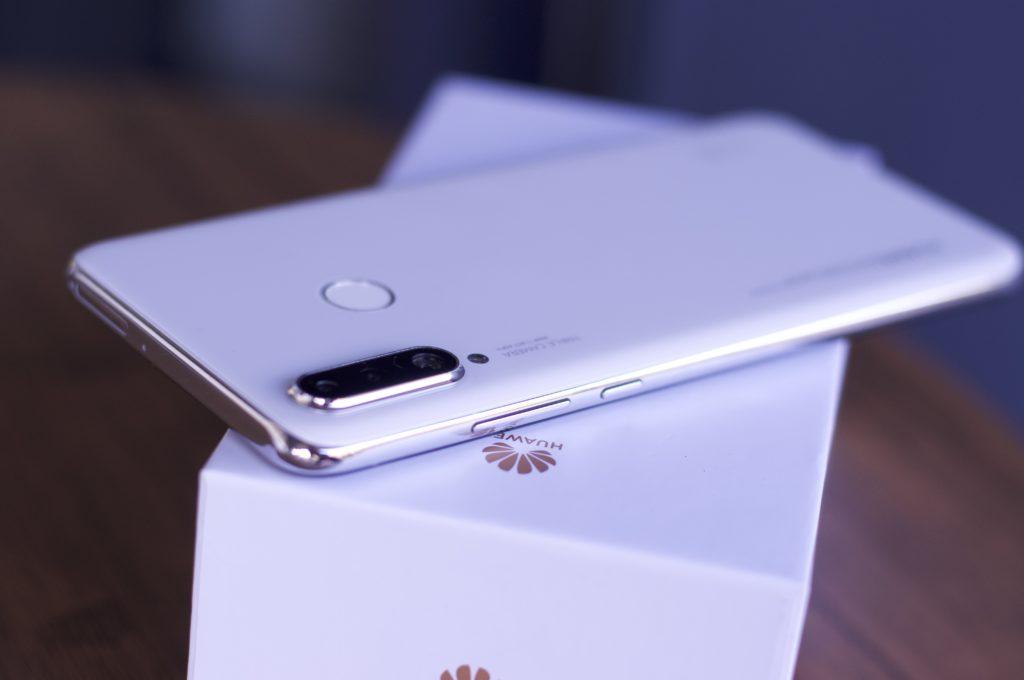 Huawei P30 lite review - παρουσίαση   η Huawei κυριαρχεί και στα mid-range 1