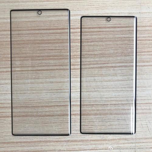 Τα προστατευτικά οθόνης για το Samsung Galaxy Note10 δείχνουν κεντρική τρύπα για την selfie camera 1