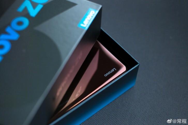 Πρώτες εικόνες από το νέο Lenovo Z6 1