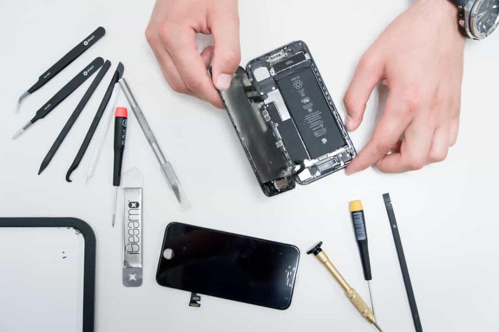 Δεν το πιστεύαμε αλλά η Apple λέει ότι χάνει κάθε χρόνο πολλά χρήματα από τις επισκευές συσκευών 1