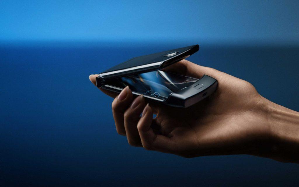 Το νέο Razr της Motorola είναι εδώ με πτυσσόμενη οθόνη 6.2 ιντσών 2