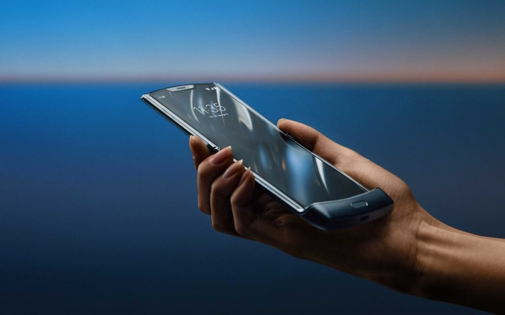 Το νέο Razr της Motorola είναι εδώ με πτυσσόμενη οθόνη 6.2 ιντσών 3