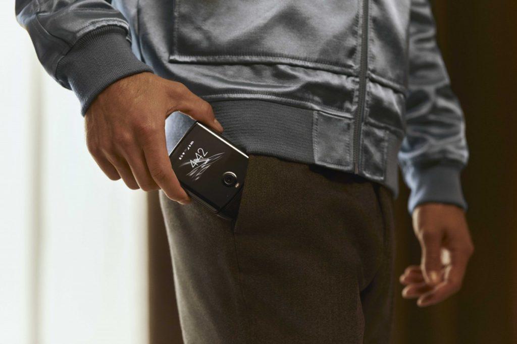 Το νέο Razr της Motorola είναι εδώ με πτυσσόμενη οθόνη 6.2 ιντσών 4