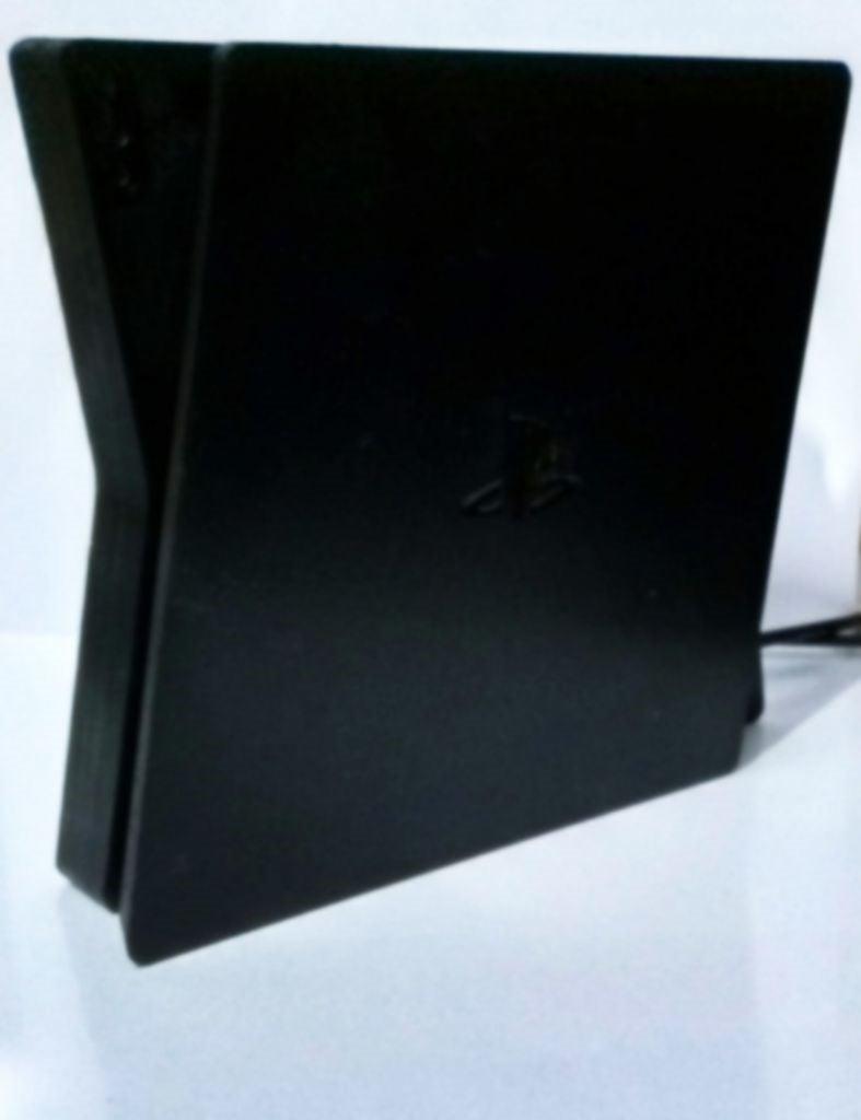 Σκίτσο και μια live φωτογραφία, επιβεβαιώνουν ποια θα είναι η τελική μορφή που θα φέρει το νέο PlayStation 5 3