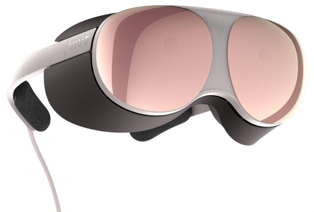 Η HTC δείχνει το Project  Proton VR headset 1