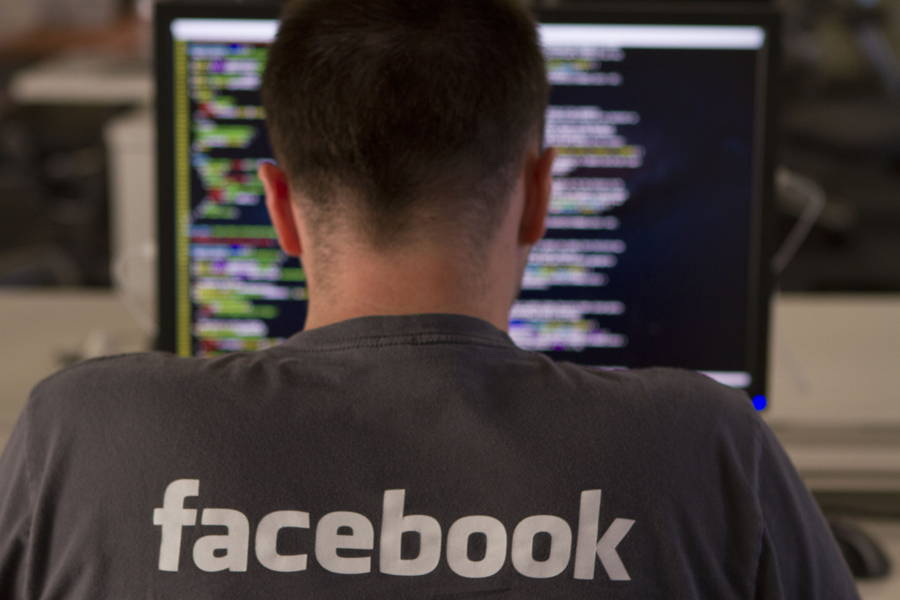 Κατά το παρελθόν, η ομάδα του Facebook προσπάθησε να αγοράσει ένα Spyware για την παρακολούθηση των χρηστών του 1