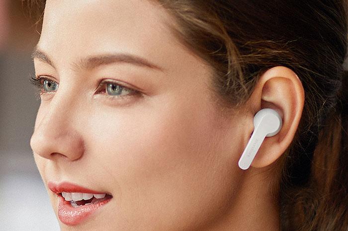 "[Kooqie.com]: Μίλα άνετα με τα νέα Bluetooth ακουστικά ""Anker Soundcore Liberty Air 2"" 1"