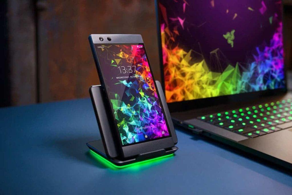 Οι πρωτότυπες εικόνες του Razer Phone 3 μόλις εντοπίστηκαν! 3
