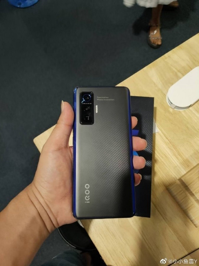 Προβλήθηκε ξαφνικά το νέο iQOO 5 στο Geekbench, καθώς και μια live φωτογραφία της έκδοσης Pro 2