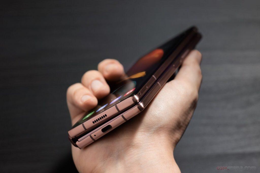 [Eπίσημο]: Υποδεχτείτε το νέο Samsung Galaxy Z Fold2 με μεγαλύτερες οθόνες και νέα απόκρυψη του μεντεσέ 4