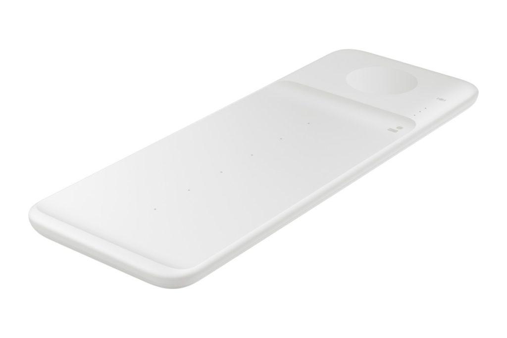 Παράλληλα σήμερα η Samsung έδειξε και άλλα τρία νέα της προϊόντα: Galaxy Tab A7, Galaxy Fit2 και Wireless Charging Trio 9